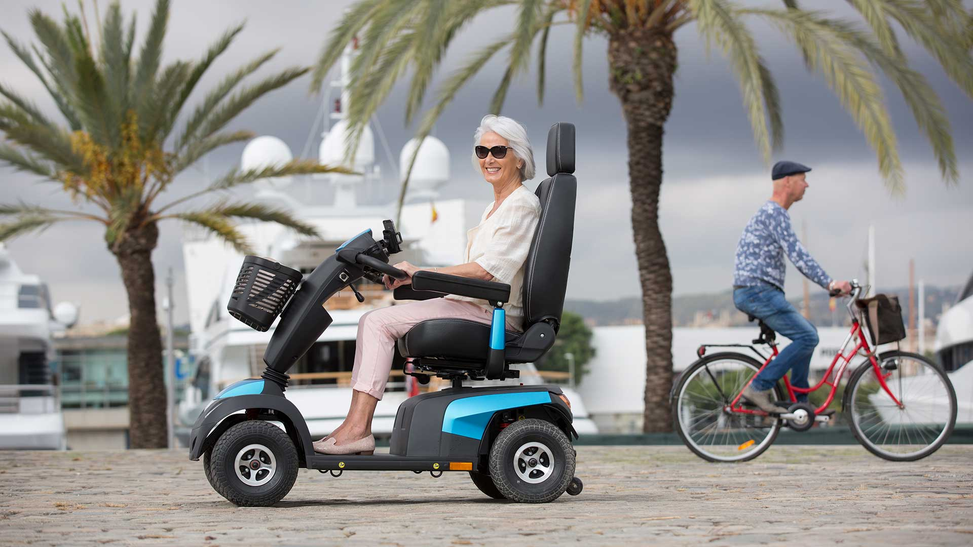 """Résultat de recherche d'images pour """"scooter électrique invacare"""""""